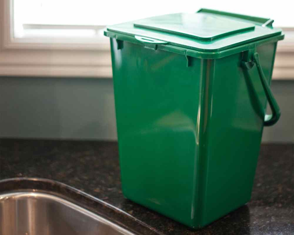 KC 2000 Compost Bin