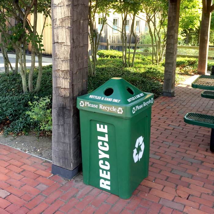 48-Gallon Recycle Bin I Outdoor Station